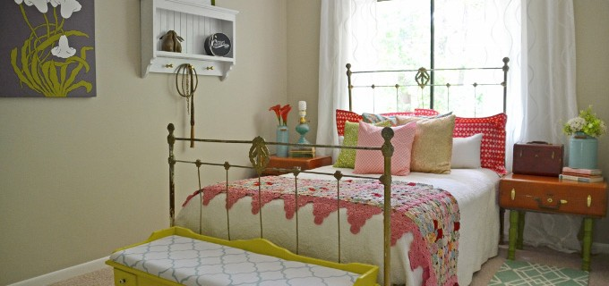 guest-bedroom-hearts-and-sharts