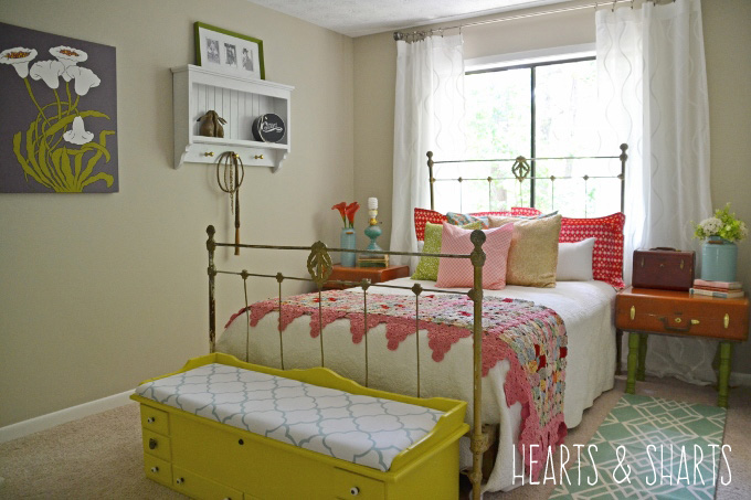 Vintage Guest Bedroom Makeover